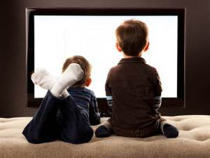 children-watching-tv-0